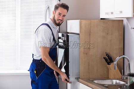 potenza elettricita energia elettrica riparazione cucina
