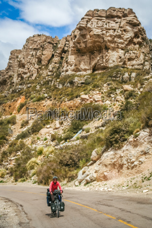 woman cycling on the famous ruta