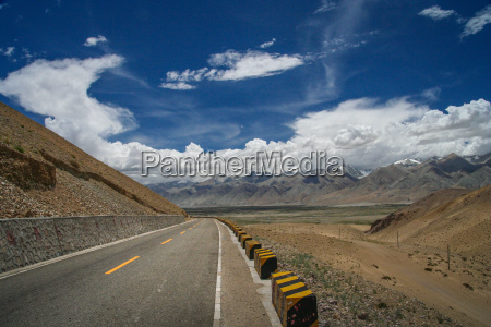 paved mountain road from ali to