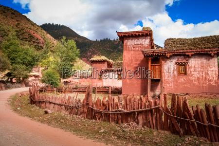 traditional tibetan home