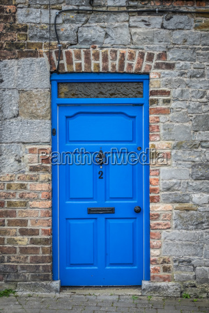 blau haus gebaeude detail stadt stein