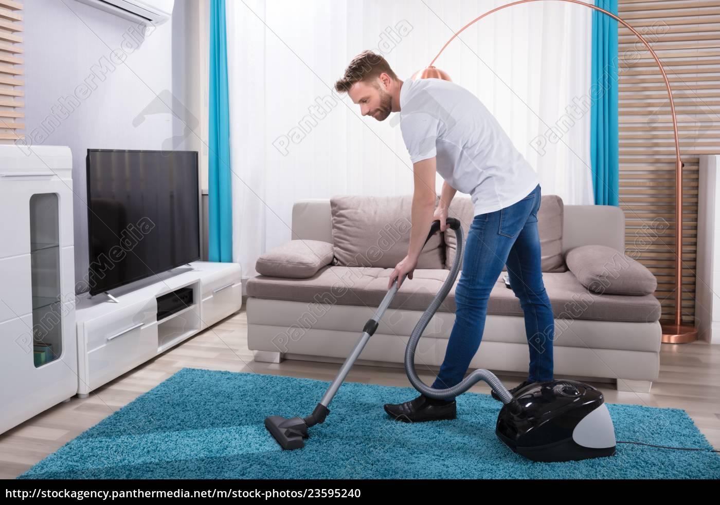 mann-reinigungs-teppich, mit, staubsauger - 23595240