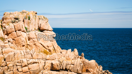 pink granite cliff of ile de