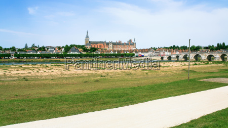 panoramic view of gien city from