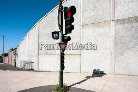 red light at a traffic light
