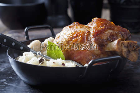 knuckle of pork with bread dumplings