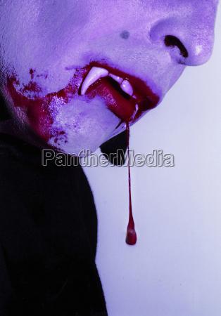 vampir, blutstropfen, zahn - 23698196