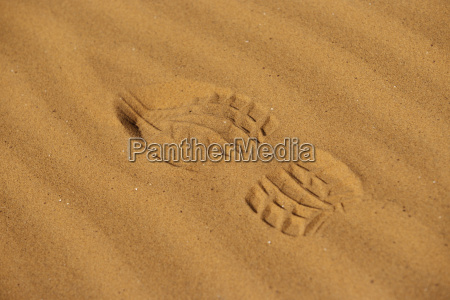 fussspur spuren im sand