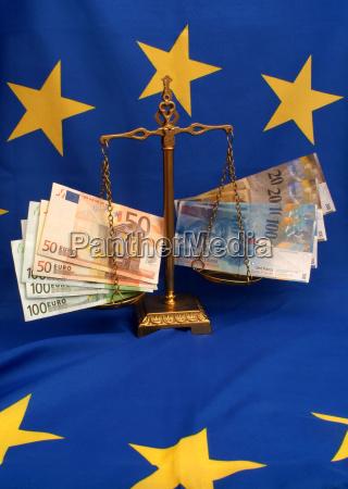 symbolbild schweizer franken contra euro auf