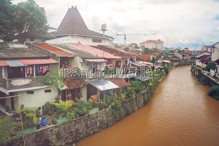 river flowing through the bukittingi town