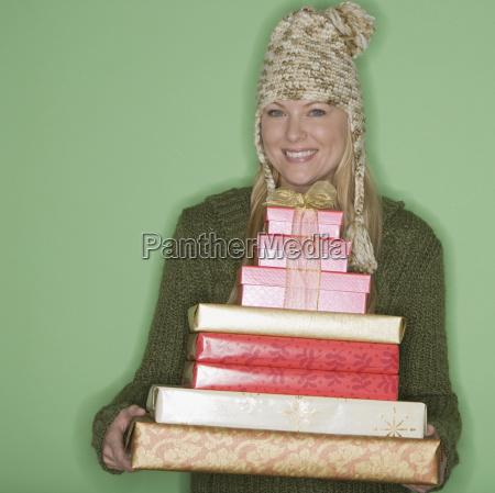 frauenholdingstapel weihnachtsgeschenke