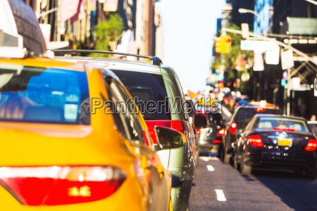 usa new york autoverkehr in grossstaedtischen