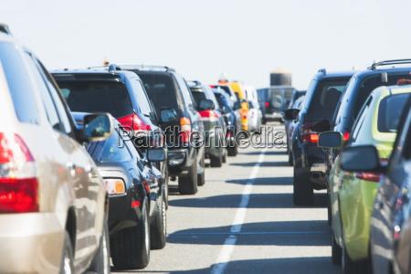 stadtleben verkehr verkehrswesen auto automobil personenkraftwagen