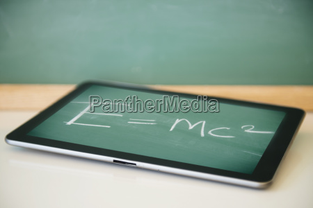 theorie der allgemeinen relativitaetstheorie auf tablette