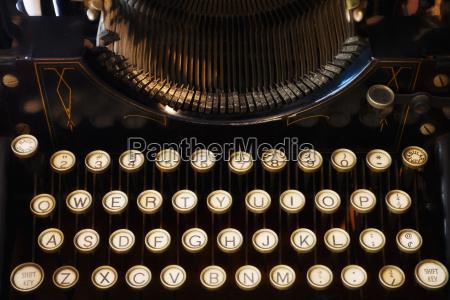 schreiben schreibend schreibt antik horizontal schrift