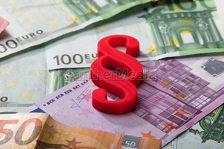 paragraph symbol zu euro banknoten