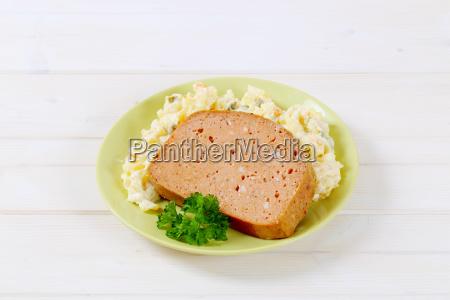 fleischbrot mit kartoffelsalat