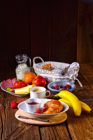 delicious croissant breakfast