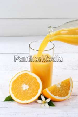 pour in orange juice pour in