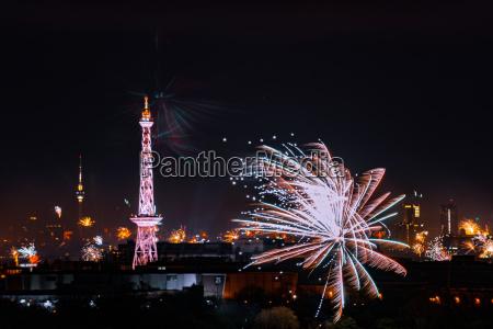 berliner panorama zu silvesterfeuerwerk