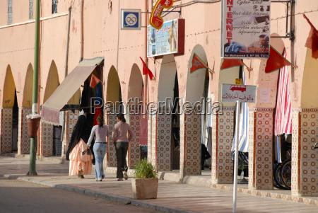 orientalisches ambiente arkaden foum zguid marokko