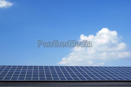 photovoltaik anlage auf einem dach