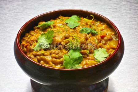 moong dal indische vegetarische linsensuppe in