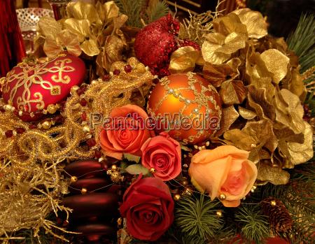 weihnachtsschmuck mit stoffblumen weihnachtsdekoration