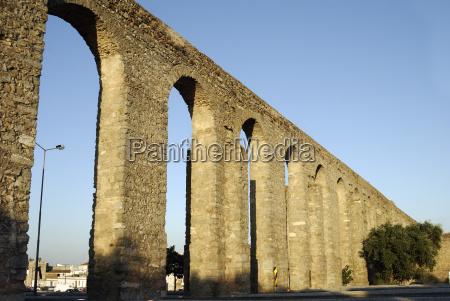 medieval water pipe aquaduct evora unesco