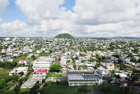 blick uber eine stadt auf mauritius