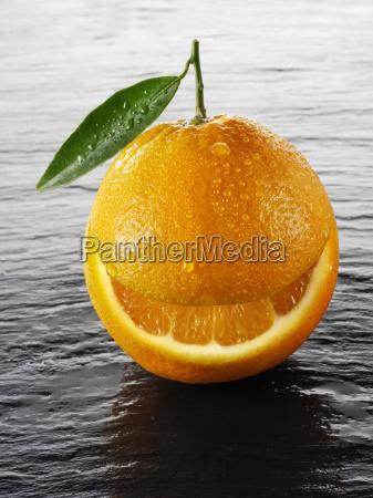 orange mit lachelmund