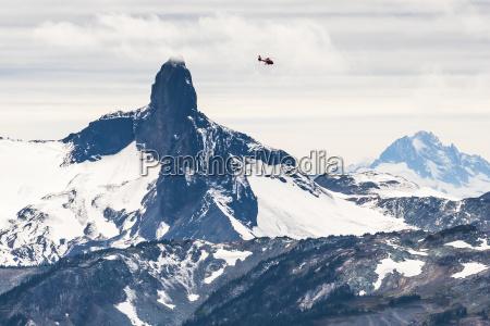 schwarzer stosszahn gebirgsspitze kuesten berge provinzieller