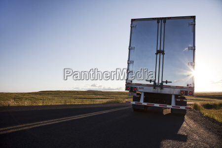 rear view of the trailer on