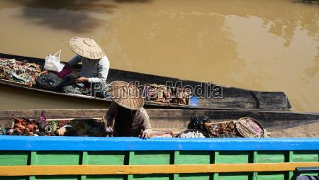 myanmar inle lake burmese sellers