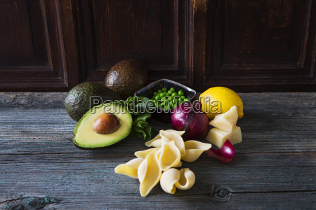 ingredients of pasta with avocado sauce