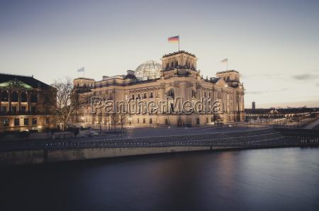 fahrt reisen historisch geschichtlich stadt kuppel