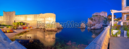 dubrovnik walls evening panoramic view
