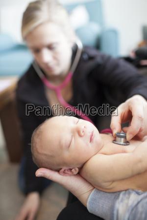 arzt mediziner medikus hand haende lebensstil