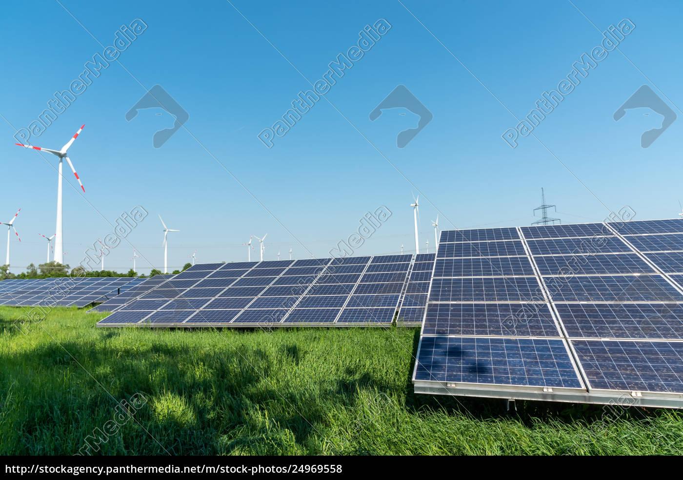 erneuerbare, energiegewinnung, und, stromleitungen, in, deutschland - 24969558