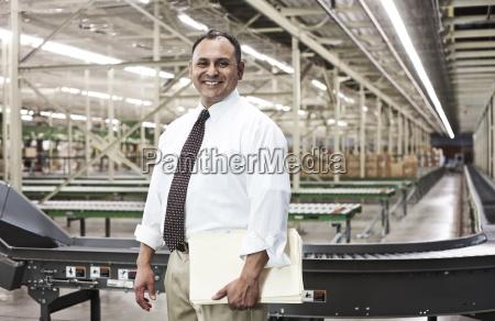 porträt, eines, männlichen, hispanischen, amerikanischen, managers - 25044878