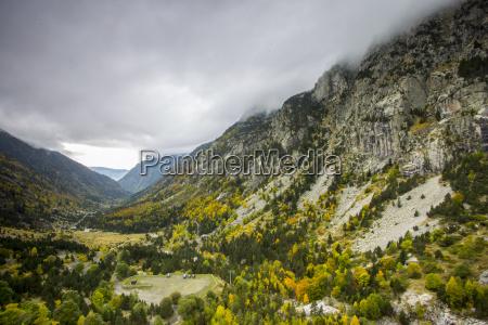 autumn in aiguestortes i estany de