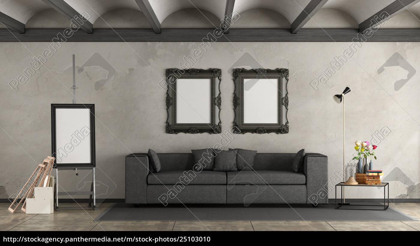 Retro Wohnzimmer Mit Modernem Sofa Stockfoto 25103010