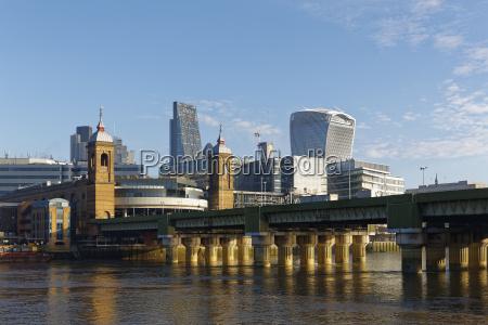 londoner skyline walkie talkie gebaeude leadenhall
