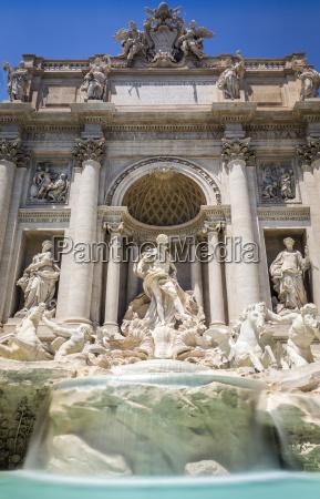 fountain di trevi rome italy