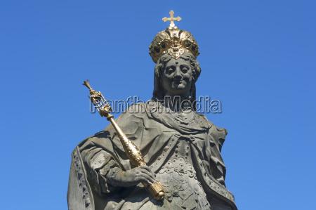 detail of the statue empress kunigunde
