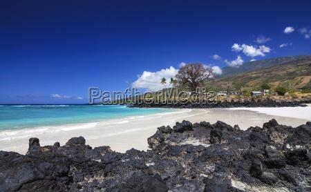 white sandy beach on grand comore