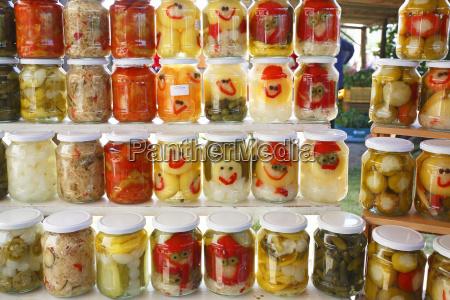 paprika gurken zwiebeln und anderes gemuese