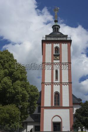 nikolaikirche mit dem kroenchen wahrzeichen von