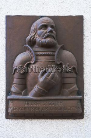 bronzetafel mit dem bildnis des fraenkischen