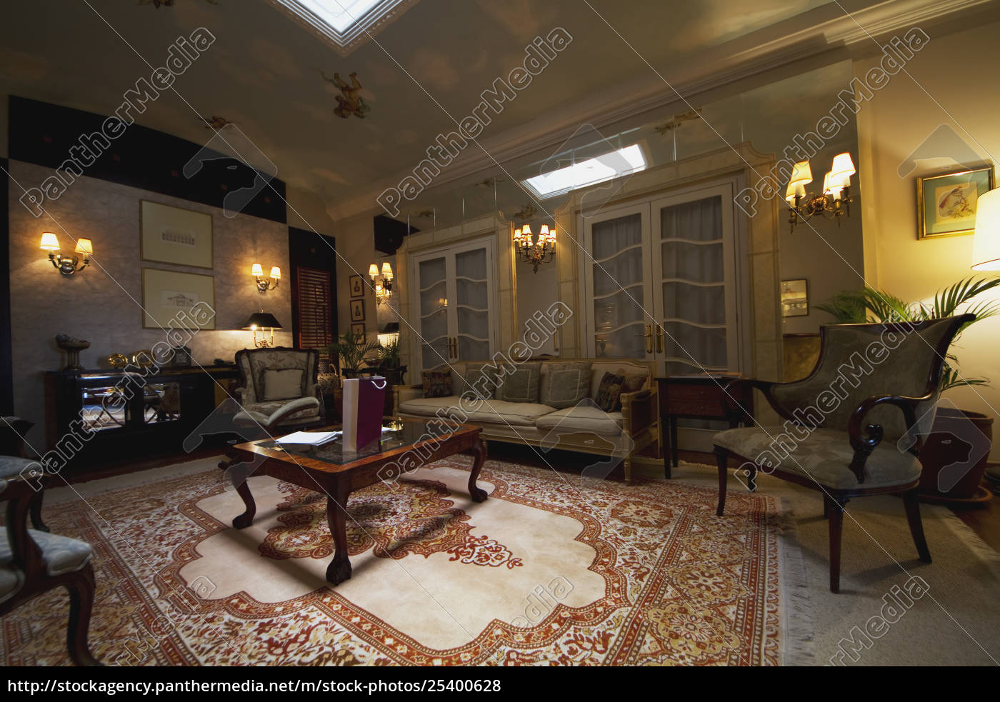 suite, in, the, mansion, alcazar, boutique - 25400628